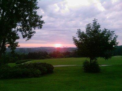 Early-morning-golf.jpg