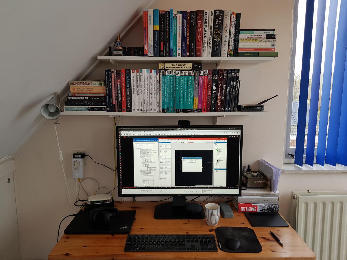 http://www.kiffingish.com/images/my-desk.png