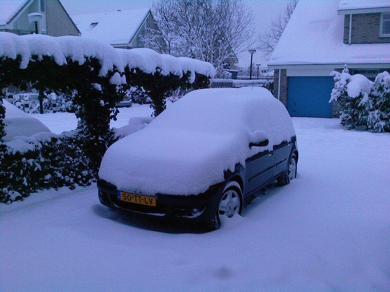 http://www.kiffingish.com/images/Lots-of-snow.jpg